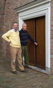 Eric Janse de Jonge en Frits Kool, leden restauratiecie PGE, november 2013 (3)