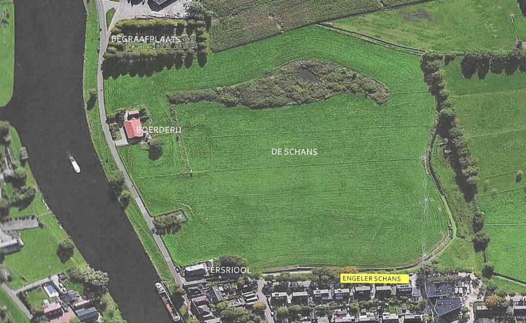 De Engelerschans aan de Dieze. Langs de Graaf van Solmsweg zijn in de nabijheid van de boerderij drie woningen geprojecteerd om de herinrichting van de Engelerschans mogelijk te maken.